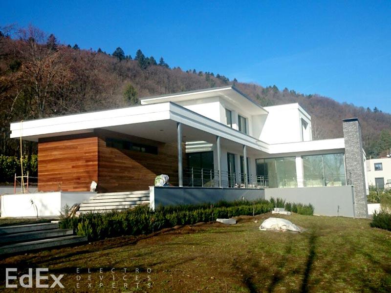 Дом в пригороде Женевы в провинции Дивон Ле Бен
